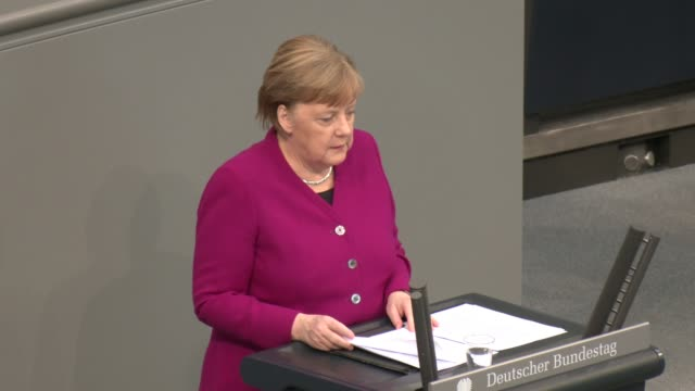 german chancellor angela merkel speaks at the bundestag during the coronavirus crisis on april 23 2020 in berlin germany germany is taking its first... - アンゲラ・メルケル点の映像素材/bロール