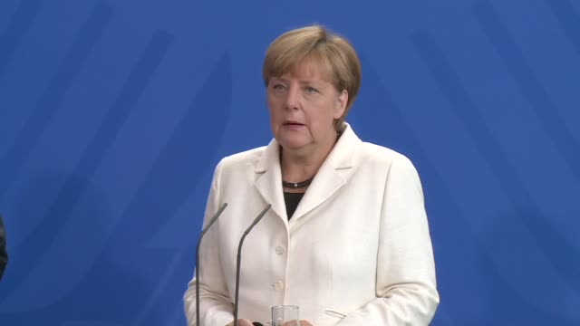 German Chancellor Angela Merkel welcomes European Commission chief JeanClaude Juncker's plan to relocate refugees from overstretched EU states but...