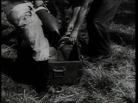 vidéos et rushes de german ground crews arming warplanes / germany - wehrmacht