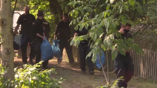german police complete their search of an allotment in connection with the disappearance of british girl madeleine mccann, but have not said what, if... - fall madeleine mccann stock-videos und b-roll-filmmaterial