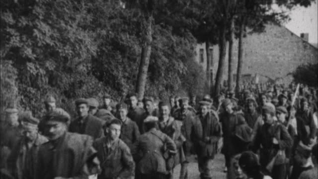 german pows are lead away / france - 1917 stock-videos und b-roll-filmmaterial