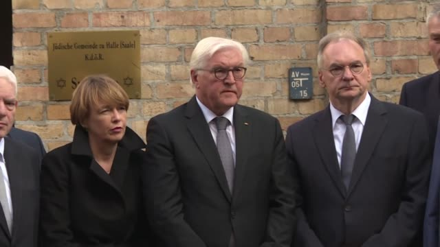 german president frank walter steinmeier visits the synagogue in halle to visit the scene of a deadly anti semitic gun attack carried out on the holy... - jom kippur stock-videos und b-roll-filmmaterial