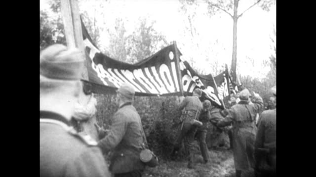 vidéos et rushes de german propaganda taunt french soldiers during world war ii - seconde guerre mondiale