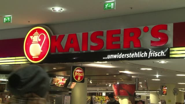 german supermarket chain real said it has found traces of horsemeat in frozen lasagne that it had pulled as a precautionary measure off the shelves... - catena di negozi video stock e b–roll