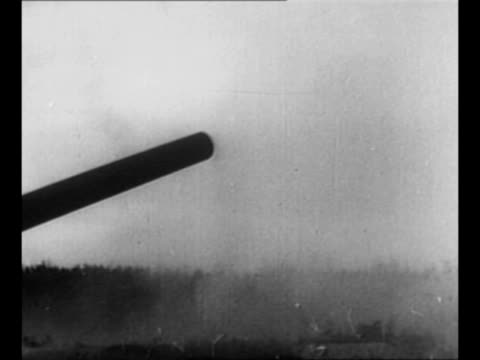 german v1 cruise missile buzz bomb flies in sky / montage antiaircraft guns fire / plane dives pan antiaircraft gun fires propped up by sandbags /... - flugabwehr stock-videos und b-roll-filmmaterial