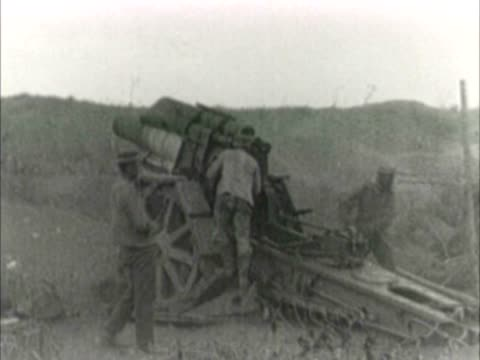 german wwi artillery in action - artiglieria video stock e b–roll