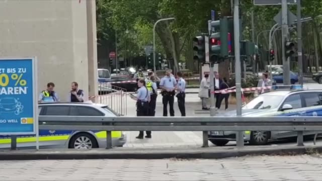 germany's largest mosque in the western city of cologne was evacuated on july 09 2019 following a bomb threat sent via email police cordoned off... - sprengkörper stock-videos und b-roll-filmmaterial