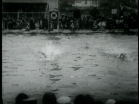 gertrude ederle swimming / brighton beach, brooklyn, new york, united states - 1926年点の映像素材/bロール