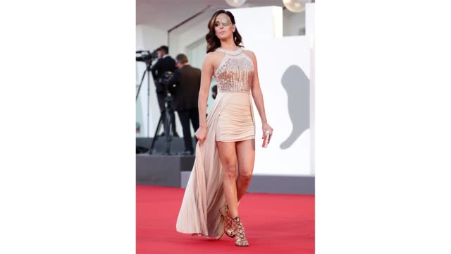 venice italy september 09 gessica notaro walks the red carpet ahead of the movie le sorelle macaluso at the 77th venice film festival on september 09... - gif stock videos & royalty-free footage