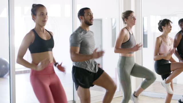 vidéos et rushes de bougez, votre corps vous aimera pour cela - rôle dans le sport