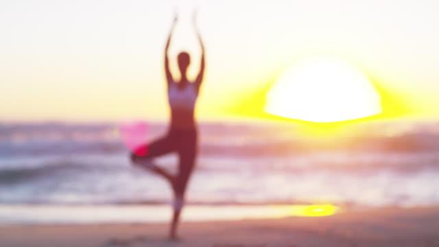 vidéos et rushes de faites connaissance avec votre âme - sans mise au point and équilibre