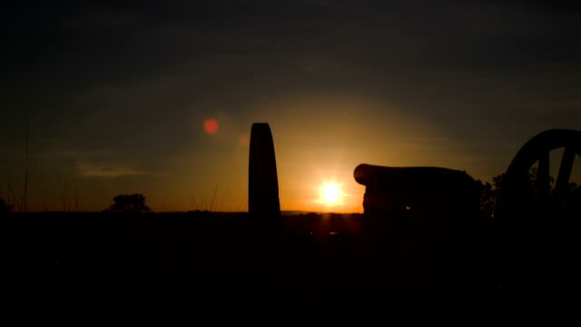 gettysburg cannon in sunset - gettysburg stock videos & royalty-free footage