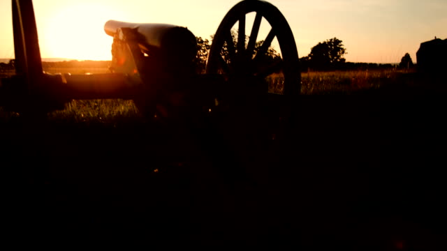 gettysburg cannon in sunset - civil war stock videos & royalty-free footage