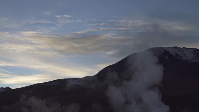 geyser - atacama desert - 噴気孔点の映像素材/bロール