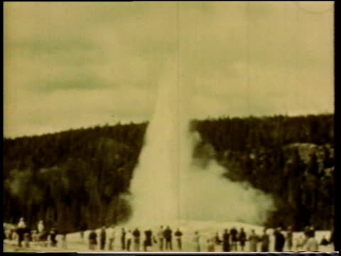 1941 ws geyser erupts / united states - old faithful stock videos & royalty-free footage