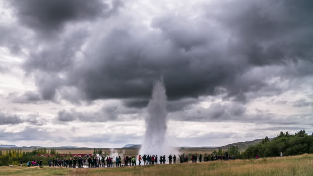 geyser strokkur in iceland - 4k nature/wildlife/weather - geyser stock videos & royalty-free footage
