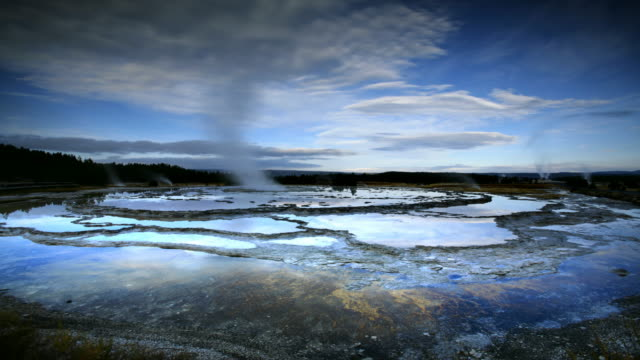T/L WS Geysers at Yellowstone National Park, Wyoming, USA