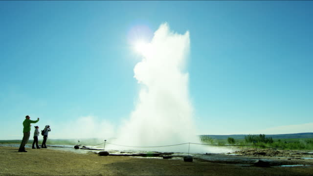 geysir strokkur hot springs golden circle water erupting - geyser stock videos & royalty-free footage