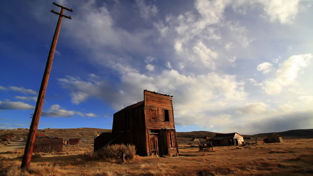 ghost town house or barn - wild west stock videos & royalty-free footage