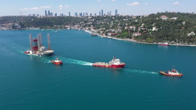 """giant drilling platform was towed through the bosphorus strait on august 12, 2020 heading towards the black sea. panama flagged """"gsp saturn"""" is more... - bosphorus stock videos & royalty-free footage"""