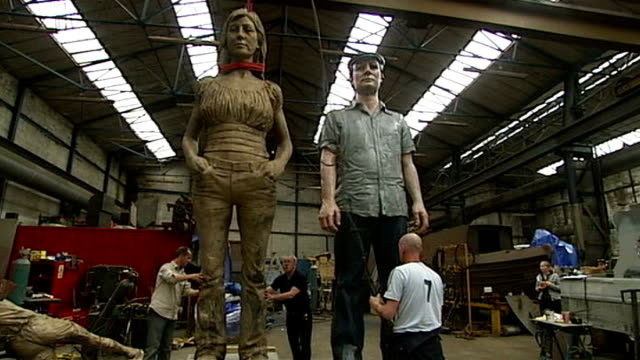 giant moving sculptures of water horses to grace scottish countryside; t03070749 'couple' sculpture of man and woman by sean henry r07050808 'horsa'... - anmut stock-videos und b-roll-filmmaterial