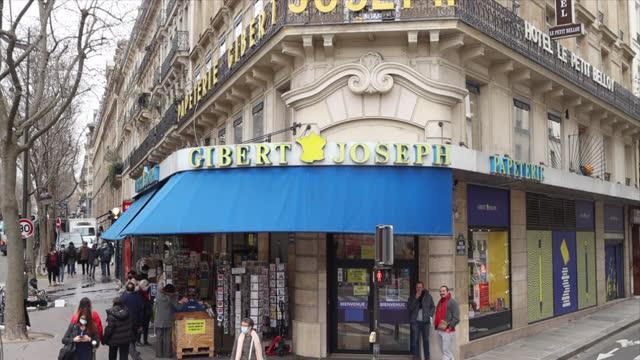 gibert joseph bookstore, 30 bouvelard saint michel in paris - book shop stock videos & royalty-free footage
