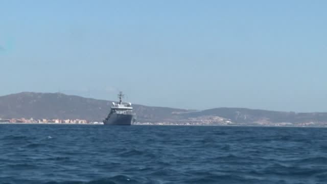 stockvideo's en b-roll-footage met gibraltar's supreme court rules that a seized iranian tanker suspected of breaching sanctions by shipping oil to syria can be detained for 30 more... - procureur generaal