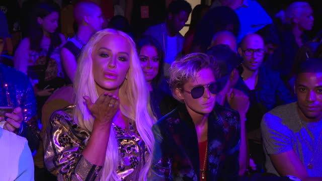gigi gorgeous and nats getty at disney villains x the blonds runway september 2018 new york fashion week the shows at gallery i at spring studios on... - schurke stock-videos und b-roll-filmmaterial