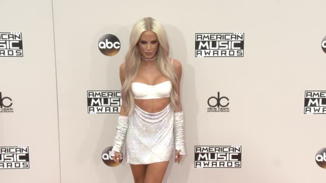 gigi gorgeous at 2016 american music awards at microsoft theater on november 20 2016 in los angeles california - 2016 american music awards stock videos and b-roll footage