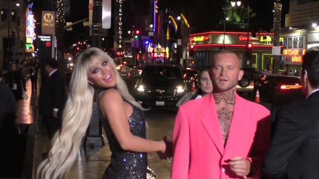 vidéos et rushes de gigi gorgeous, nats getty & august getty arriving to the american influencer awards at dolby theatre in hollywood in celebrity sightings in los... - the dolby theatre