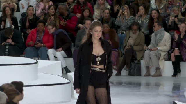gigi hadid at paris fashion week womenswear fall/winter 2020/2021 - chanel at fall/winter 2020/2021 on march 03, 2020 in paris, france. - ジジ・ハディッド点の映像素材/bロール