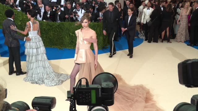gigi hadid at rei kawakubo/comme des garcons art of the inbetween costume institute gala arrivals at the metropolitan museum of art on may 01 2017 in... - gigi hadid stock videos & royalty-free footage