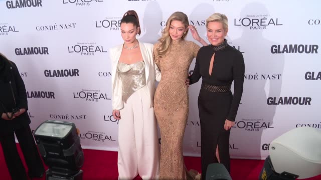 gigi hadid bella hadid yolanda hadid at glamour's 2017 women of the year on november 13 2017 in new york city - bella hadid stock videos & royalty-free footage