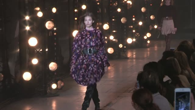 gigi hadid, caroline murphy, amber valetta and more models on the runway for the isabel marant ready to wear fall winter 2017 fashion show in paris... - アンバー ヴァレッタ点の映像素材/bロール