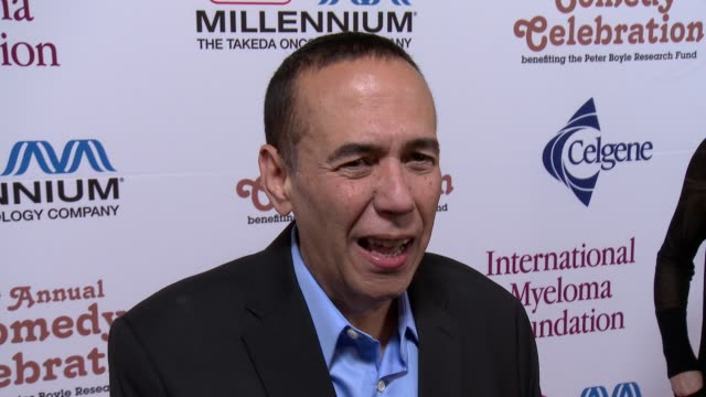 gilbert gottfried on his performance, on supporting img, on peter boyle and on halloween plans at international myeloma foundation 6th annual comedy... - peter boyle stock videos & royalty-free footage