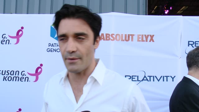 vídeos y material grabado en eventos de stock de interview gilles marini on supporting the cause at pathway to the cure for breast cancer a fundraiser benefiting susan g komen at santa monica... - the cure