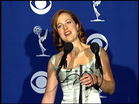 gillian anderson at the 1997 emmy awards press room at the pasadena civic auditorium in pasadena california on september 14 1997 - gillian anderson stock videos & royalty-free footage