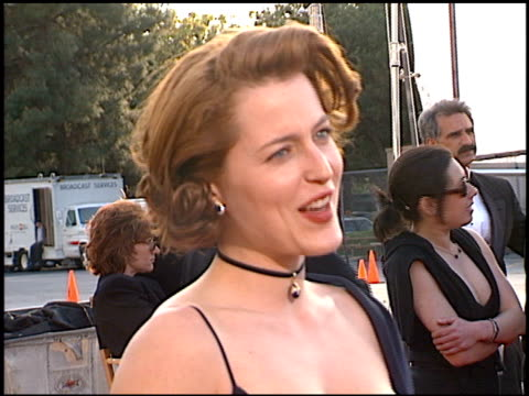 gillian anderson at the 1998 screen actors guild sag awards at the shrine auditorium in los angeles california on march 8 1998 - gillian anderson stock videos & royalty-free footage