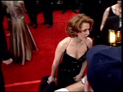 gillian anderson at the 2001 golden globe awards at the beverly hilton in beverly hills california on january 21 2001 - gillian anderson stock videos & royalty-free footage