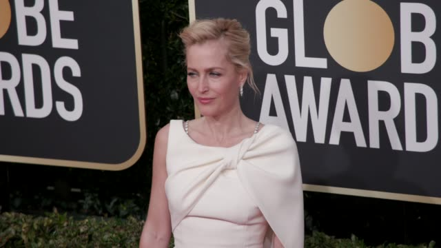 gillian anderson at the 77th annual golden globe awards at the beverly hilton hotel on january 05 2020 in beverly hills california - the beverly hilton hotel stock-videos und b-roll-filmmaterial