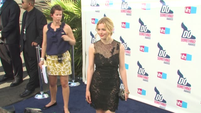 gillian jacobs at the 2010 vh1 do something awards at hollywood ca. - do something organization stock videos & royalty-free footage