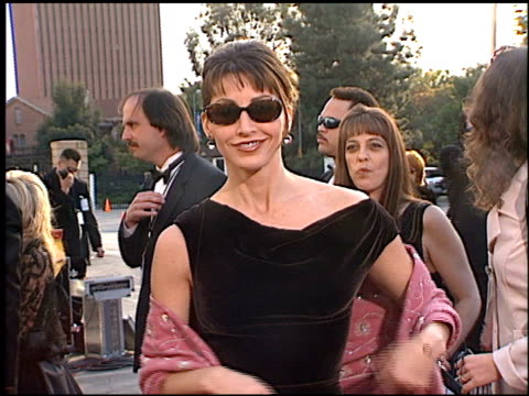 stockvideo's en b-roll-footage met gina gershon at the 1998 screen actors guild sag awards at the shrine auditorium in los angeles california on march 8 1998 - 1998