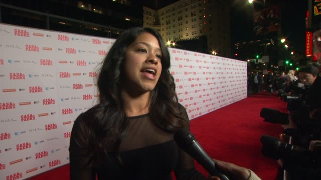 stockvideo's en b-roll-footage met gina rodriguez on being here, on her new film coming out at casa de mi padre los angeles premiere on 3/14/12 in los angeles, ca - padre