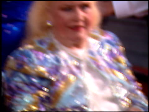 stockvideo's en b-roll-footage met ginger rogers at the 1995 screen actors guild sag awards at universal studios in universal city california on february 25 1995 - 1995