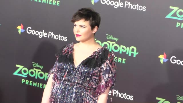 vidéos et rushes de ginnifer goodwin josh dallas at the zootopia premiere at el capitan theatre in hollywood at celebrity sightings in los angeles on february 17 2016 in... - cinéma el capitan