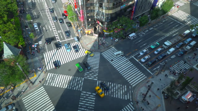ginza pedestrian crossing in tokyo - ginza stock videos & royalty-free footage