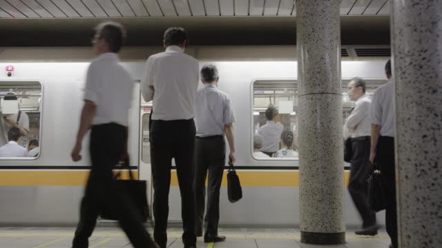 vidéos et rushes de ginza subway line - japon