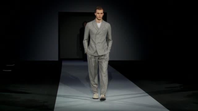 vídeos de stock, filmes e b-roll de milan men's fashion week a/w 2011 on january 18 2011 in milan italy - giorgio armani marca de moda