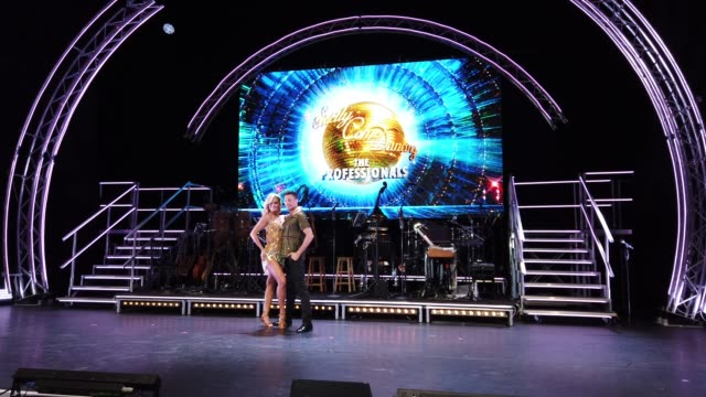 giovanni pernice and nadiya bychkova during the strictly come dancing: the professionals photocall at elstree studios on may 2, 2019 in borehamwood,... - ボーハムウッド点の映像素材/bロール