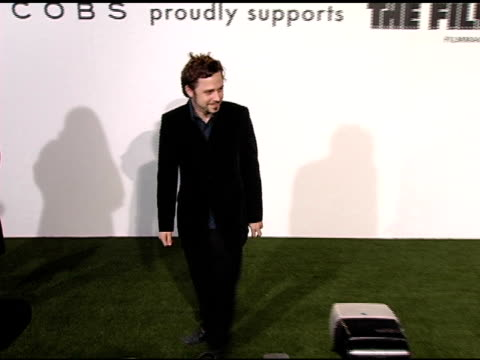 giovanni ribisi at the opening of marc jacobs' three los angeles stores at 8400 melrose place in los angeles, california on march 17, 2005. - giovanni ribisi stock videos & royalty-free footage